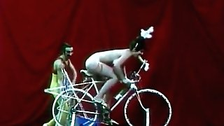 Beautiful Chick is Railing a Fucky-fucky-bike