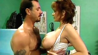 Hump W Red-haired COUGAR Nurse