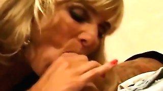 Mummy Blonde Swapper Messy Facial Cumshot